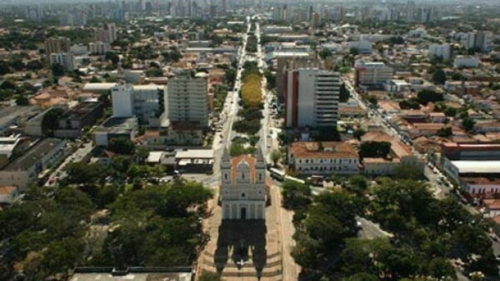Avenida Frei Serafim, uma das principais de Teresina